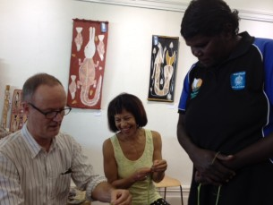 Mardbalk Artists working with visitors to Tali Gallery
